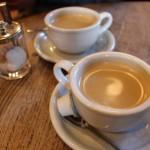 カプチーノとカフェラテの違いは?泡とミルクの割合に違いが!?